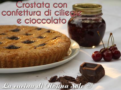 Crostata con confettura di ciliegie e cioccolato